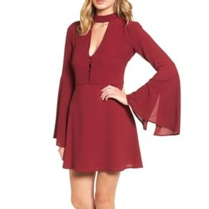 NEW SOCIALITE BELL SLEEVE BOHO CUT OUT DRESS XL.